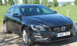 Volvo V60 D6 AWD Plug In Hybrid Summum BE Automat -14