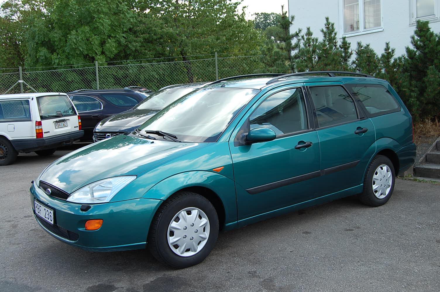 Ford Focus 1.6 -00 metallic grön